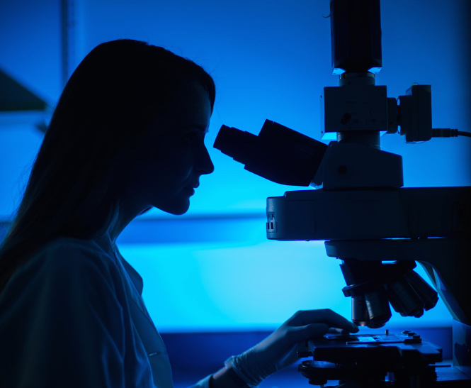 Pathologists can classify a tumor as a benign tumor or a malignant tumor by examining biopsy samples of a tumor.