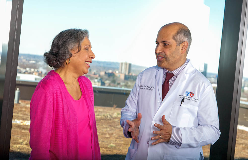 Mehra Golshan, MD, director of Breast Surgical Services with the Susan F. Smith Center for Women's Cancers at Dana-Farber, speaks with a patient.