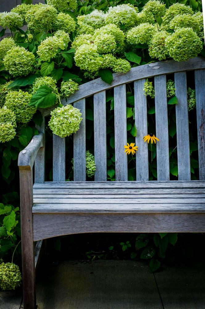 milford garden bench