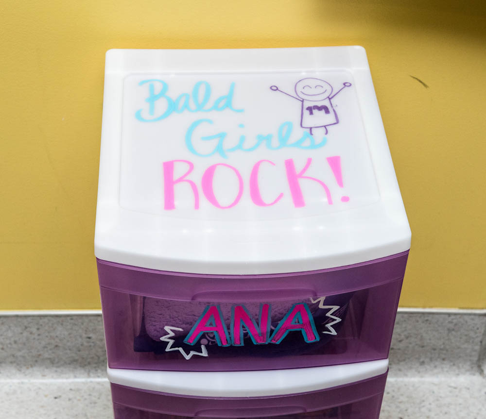 A mini-dresser with a message
