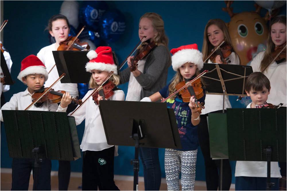 violin, holidays