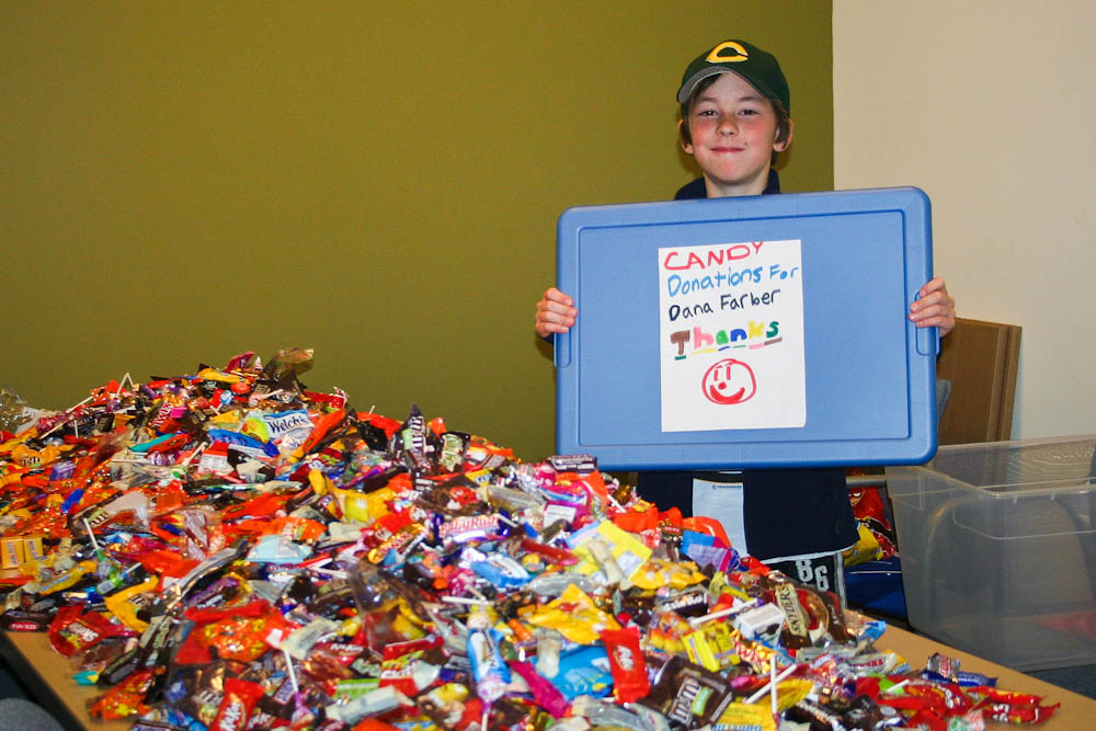Griffin at age 9, when he donated 171 pounds of candy to the Shapiro Center for Patient and Families.