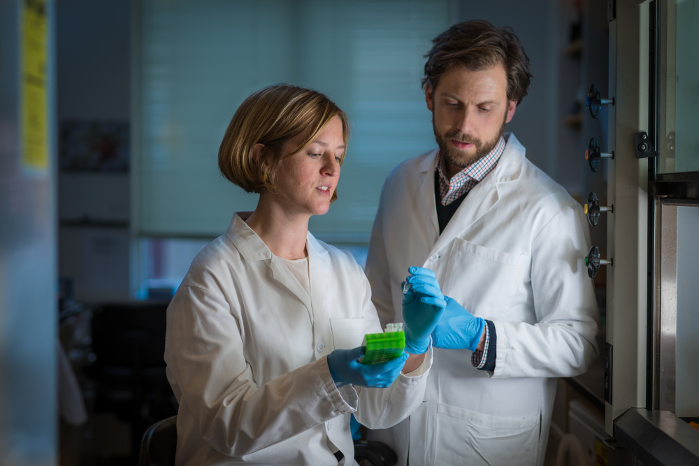 Dan Stover, MD, and Heather Parsons, MD, conduct basic research in metastatic breast cancer.